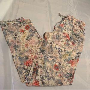 Zara flower pants size XS- very cute!